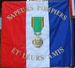 FFEDB-Drapeau Sapeur Pompier et leurs amis-Res 150 10X15