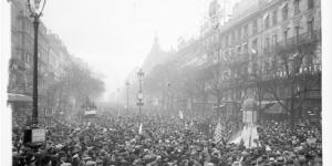 les-grands-boulevards-a-paris-le-jour-du 11 Novembre 1918- (3