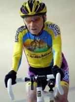 cyclisme-105-ans-robert-marchand-remonte-en-selle-pour-un-record