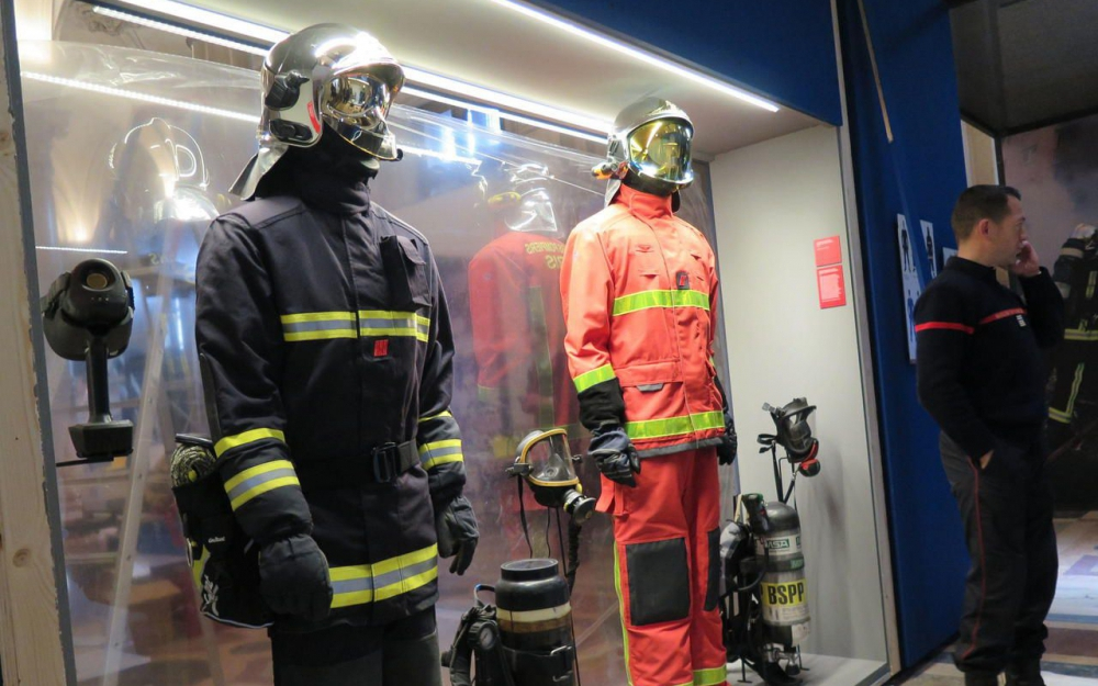 les pompiers de paris vont passer l orange aaspp91. Black Bedroom Furniture Sets. Home Design Ideas